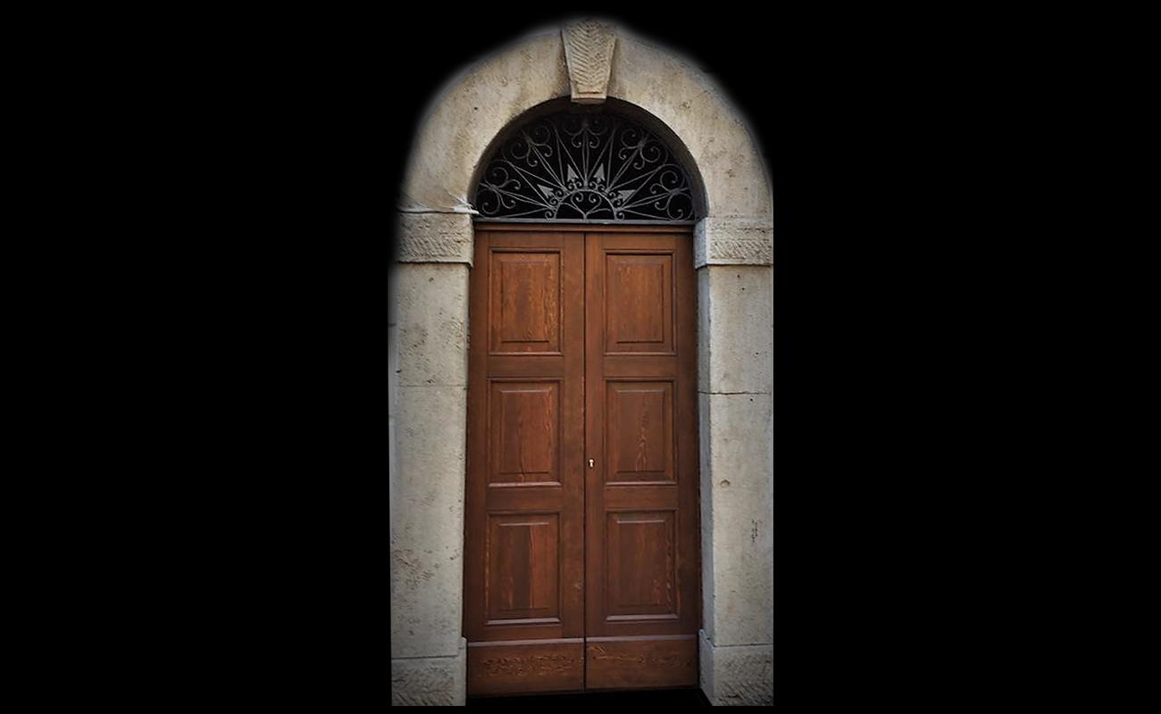 Home laverderosa produzione e vendita porte in legno roma - Portoni da esterno prezzi ...