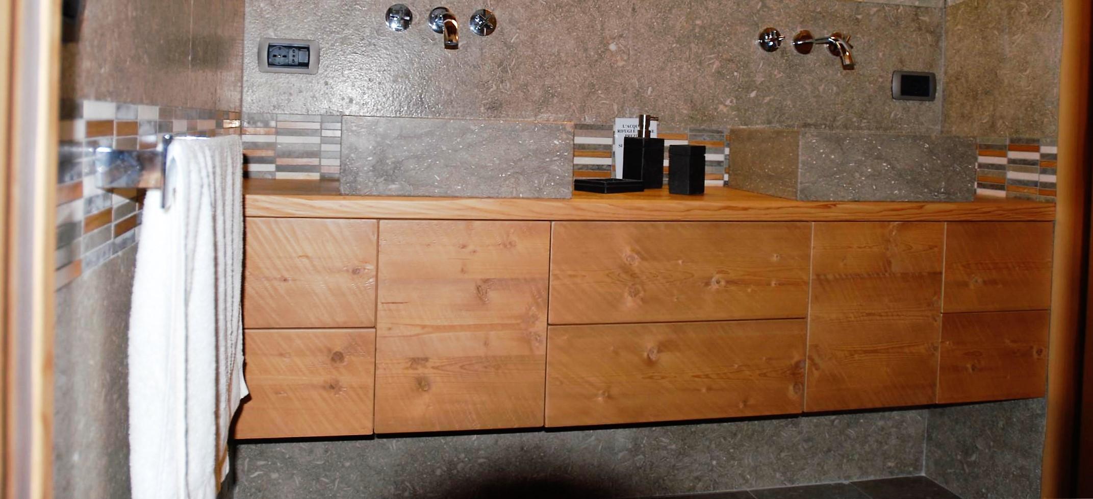 Laverderosa s r l mobili bagno in legno su misura a roma for Mobili bagno roma