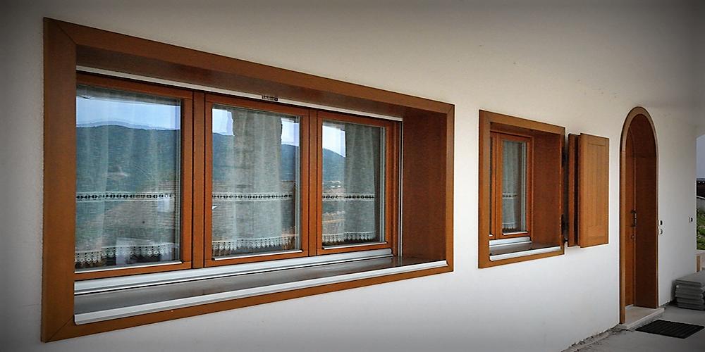 Modelli di finestre interesting finestre solari domotiche - Finestre con pannelli solari ...