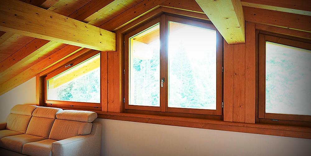 finestra in legno
