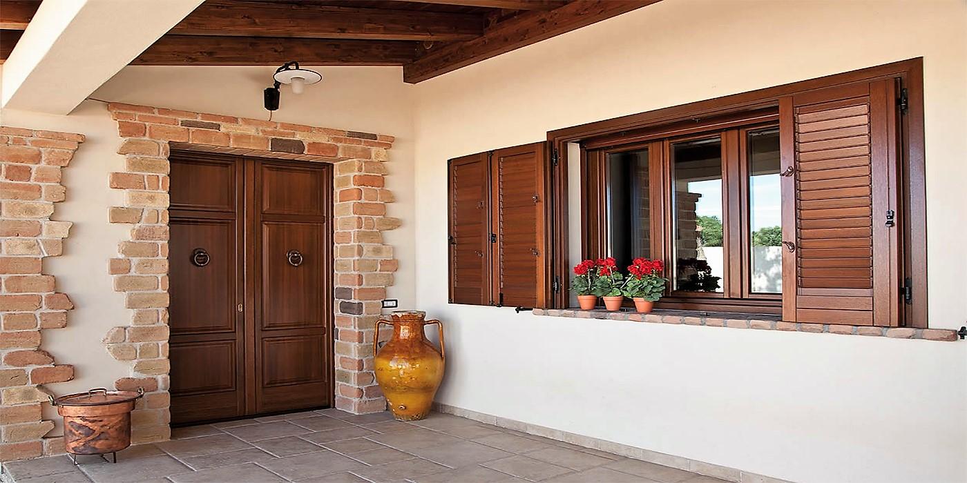 Home laverderosa produzione e vendita porte in legno roma for Arredamento in roma