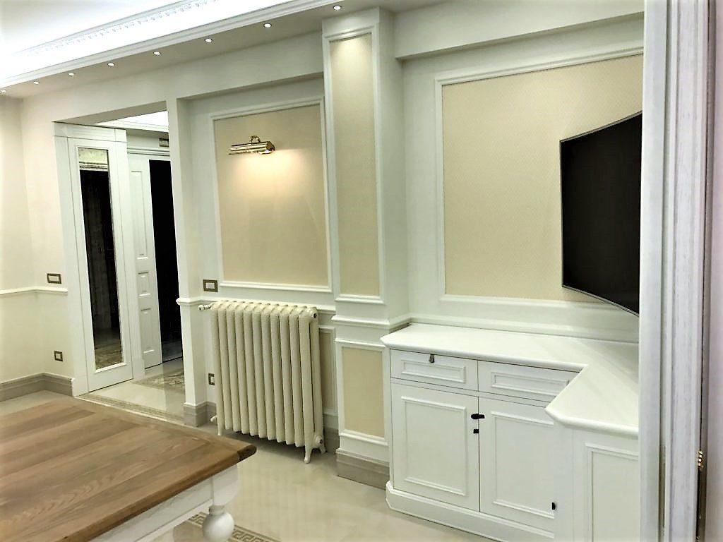 Living rooms laverderosa porte in legno roma finestre in legno roma arredamento in legno - Mobili per bagni classici ...